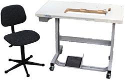 Chaises, supports et plateaux de table